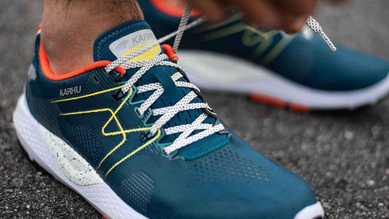 Best Walking Shoes for Men 2021   Buyer