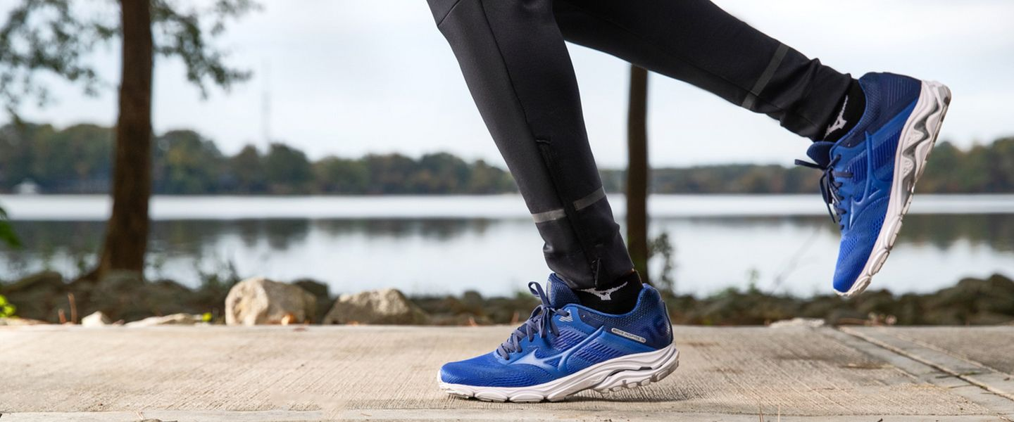 A person running in the Mizuno Wave Inspire 16 shoes