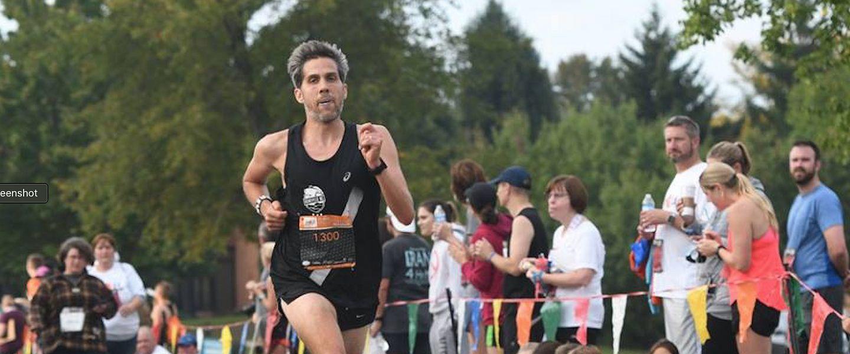 Fleet Feet blog contributor Phil Latter runs in a race